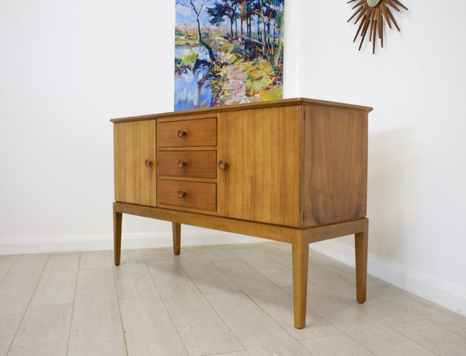 Mid Century Retro Vintage Walnut Sideboard by Gordon Russell #0271 1