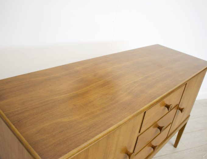 Mid Century Retro Vintage Walnut Sideboard by Gordon Russell #0271 6