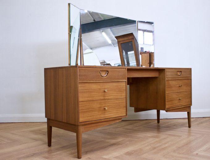 Mid Century Teak & Walnut Dressing Table from Golden Key #0450 1