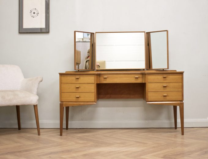 Mid Century Walnut Dressing Table from Alfred Cox #0500 0